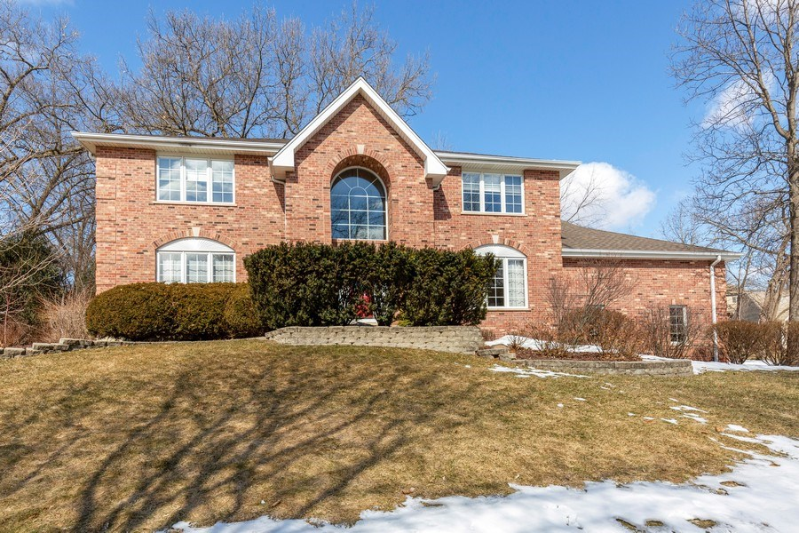 Real Estate Photography - 2342 Preston Ln, West Dundee, IL, 60118 - Front View