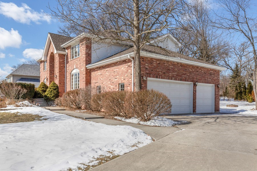 Real Estate Photography - 2342 Preston Ln, West Dundee, IL, 60118 - Side View
