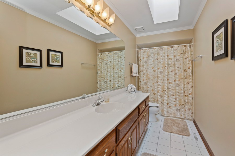 Real Estate Photography - 2342 Preston Ln, West Dundee, IL, 60118 - Bathroom