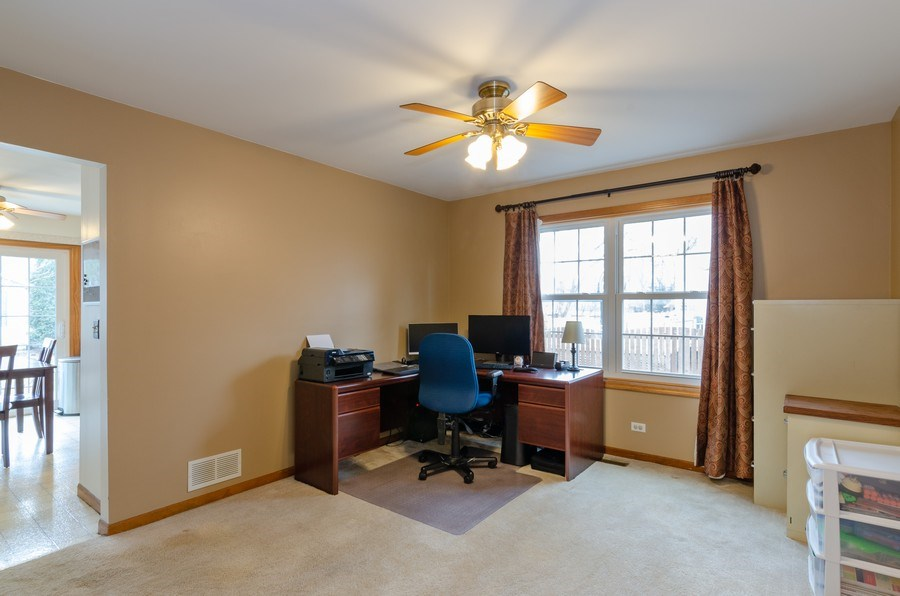 Real Estate Photography - 2000 Tahoe Parkway, Algonquin, IL, 60102 - Office