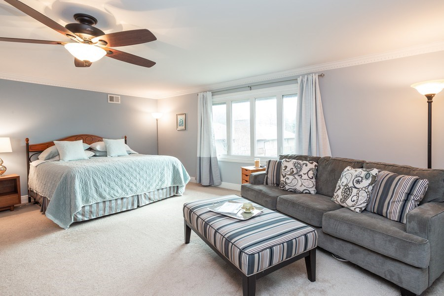 Real Estate Photography - 117 Lynnfield Lane, Schaumburg, IL, 60193 - Master Bedroom