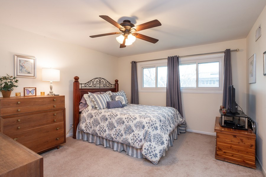 Real Estate Photography - 117 Lynnfield Lane, Schaumburg, IL, 60193 - 2nd Bedroom