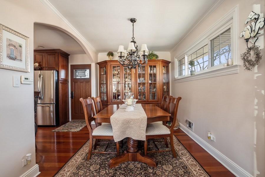 Real Estate Photography - 1020 N Stratford Rd, Arlington Heights, IL, 60004 - Dining Room