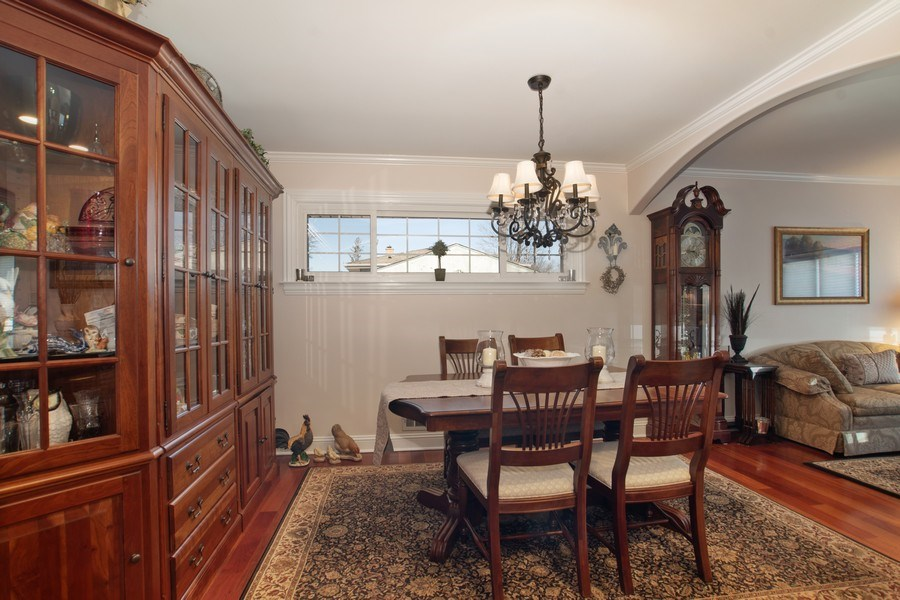 Real Estate Photography - 1020 N Stratford Rd, Arlington Heights, IL, 60004 - Living Room / Dining Room