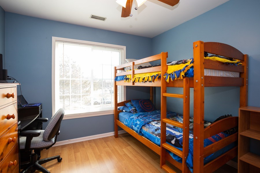 Real Estate Photography - 1014 Boston Cir., Schaumburg, IL, 60193 - 2nd Bedroom