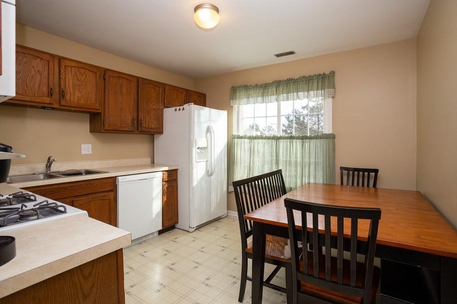 Real Estate Photography - 1014 Boston Cir., Schaumburg, IL, 60193 - Kitchen