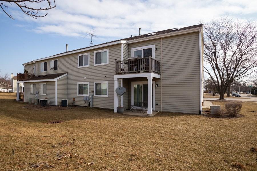 Real Estate Photography - 1014 Boston Cir., Schaumburg, IL, 60193 - Rear View