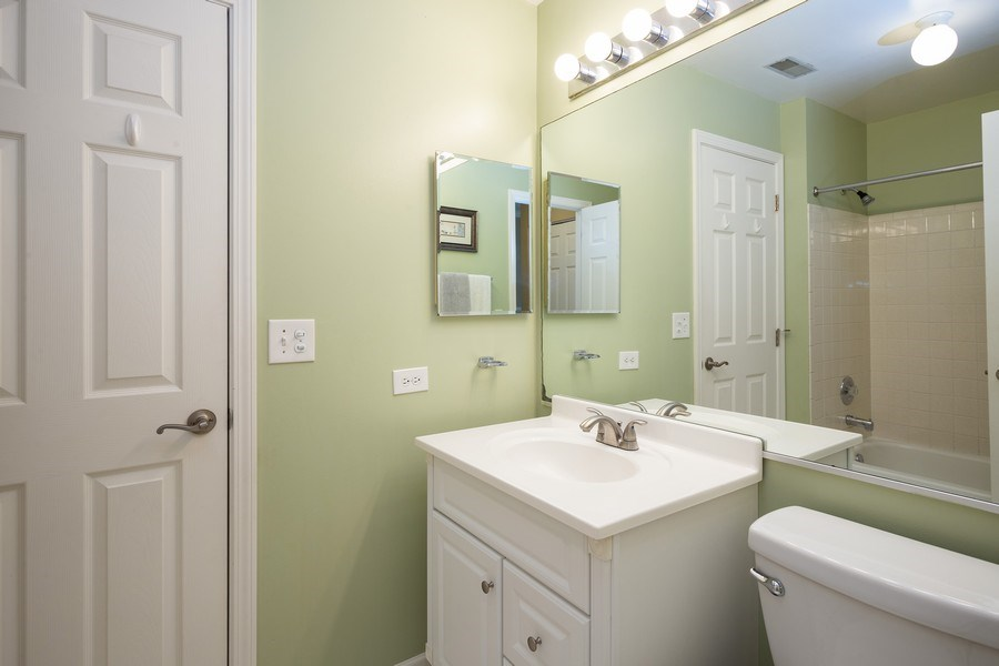Real Estate Photography - 1014 Boston Cir., Schaumburg, IL, 60193 - Bathroom