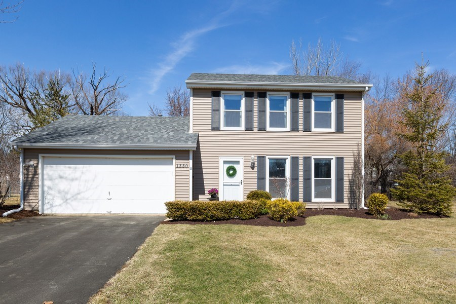 Real Estate Photography - 1330 N Parkview Ter, Algonquin, IL, 60102 - Front View