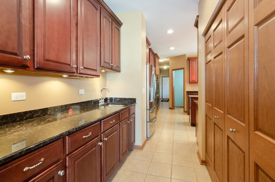 Real Estate Photography - 213 Dawn Court, Elgin, IL, 60124 - Butler's pantry