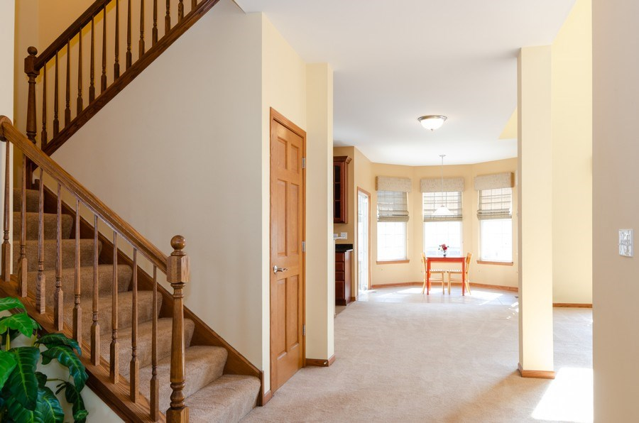 Real Estate Photography - 213 Dawn Court, Elgin, IL, 60124 - Foyer
