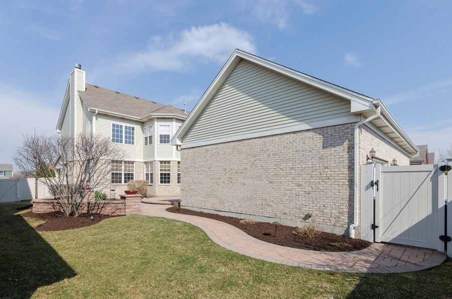Real Estate Photography - 213 Dawn Court, Elgin, IL, 60124 - Rear View