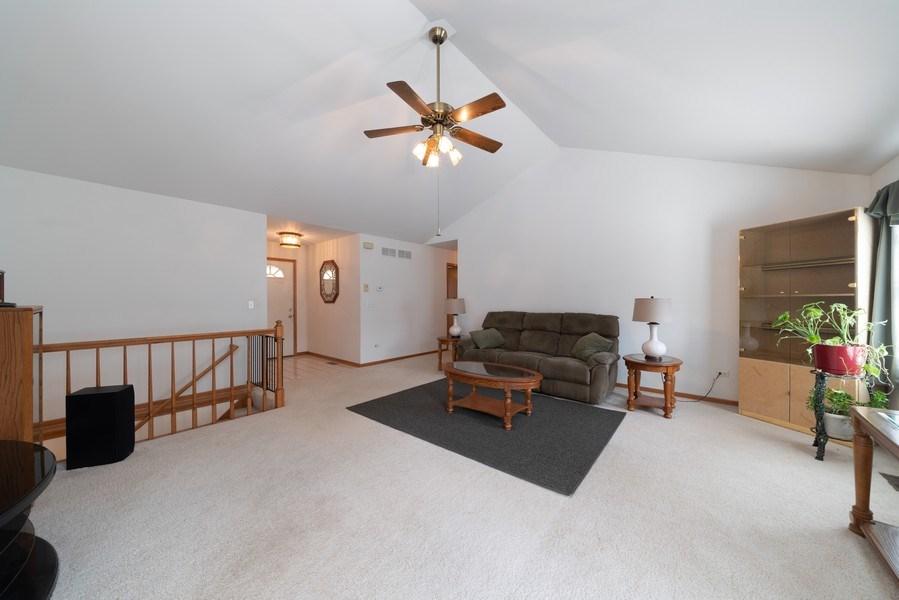 Real Estate Photography - 312 E. Fabyan Parkway, Batavia, IL, 60510 - Living Room