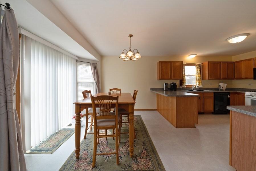 Real Estate Photography - 312 E. Fabyan Parkway, Batavia, IL, 60510 - Breakfast Area