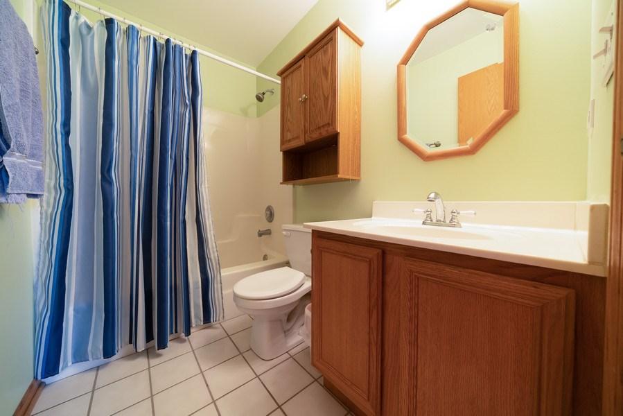 Real Estate Photography - 312 E. Fabyan Parkway, Batavia, IL, 60510 - 2nd Bathroom
