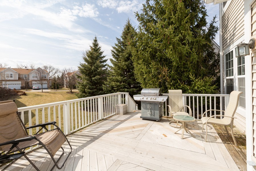 Real Estate Photography - 220 Katrina, Algonquin, IL, 60102 - Deck
