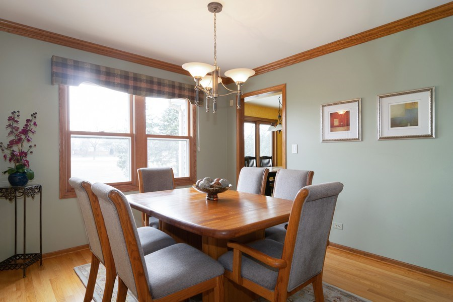 Real Estate Photography - 4380 N Cottonwood Trail, Hoffman Estates, IL, 60192 - Dining Room
