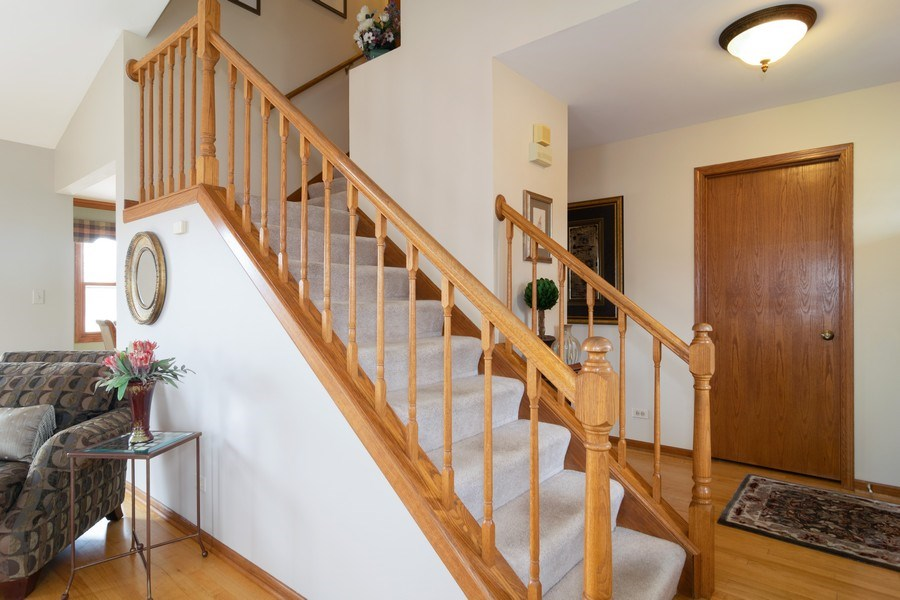 Real Estate Photography - 4380 N Cottonwood Trail, Hoffman Estates, IL, 60192 - Staircase