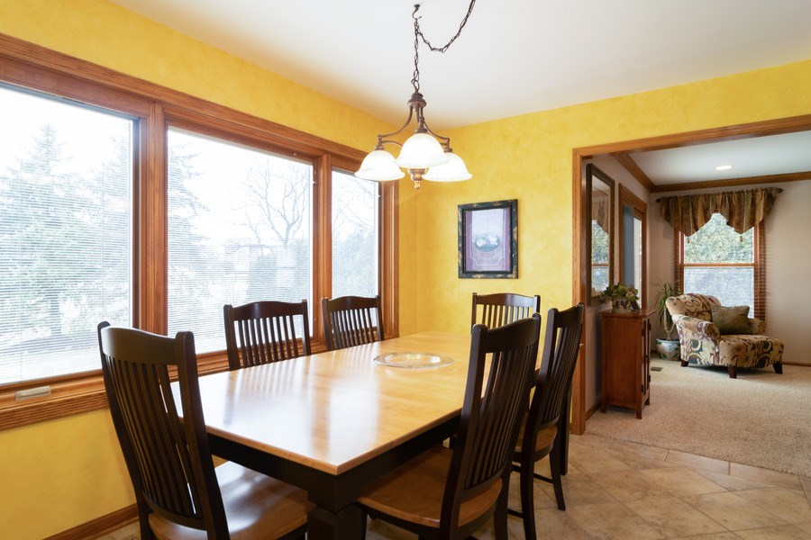 Real Estate Photography - 4380 N Cottonwood Trail, Hoffman Estates, IL, 60192 - Breakfast Nook