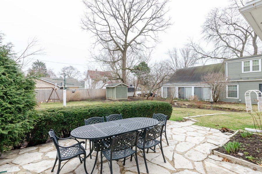 Real Estate Photography - 1109 Logan Ave, Elgin, IL, 60120 - Patio