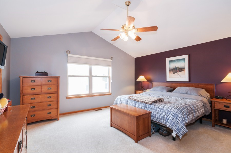 Real Estate Photography - 1025 Greenbriar Dr.,, Glendale Heights, IL, 60139 - Master Bedroom
