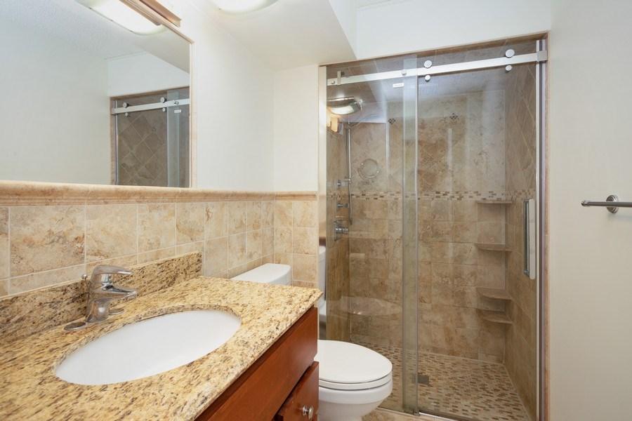 Real Estate Photography - 1441 E THACKER #204, DES PLAINES, IL, 60016 - Master Bathroom