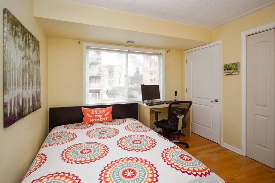 Real Estate Photography - 1441 E THACKER #204, DES PLAINES, IL, 60016 - Bedroom