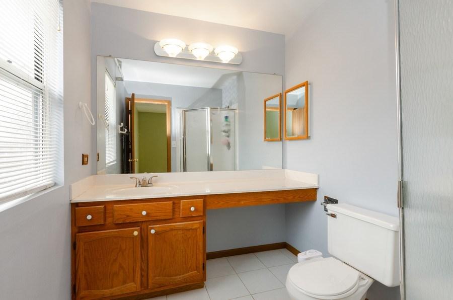 Real Estate Photography - 1263 Dogwood Ct., Elgin, IL, 60120 - Master Bathroom