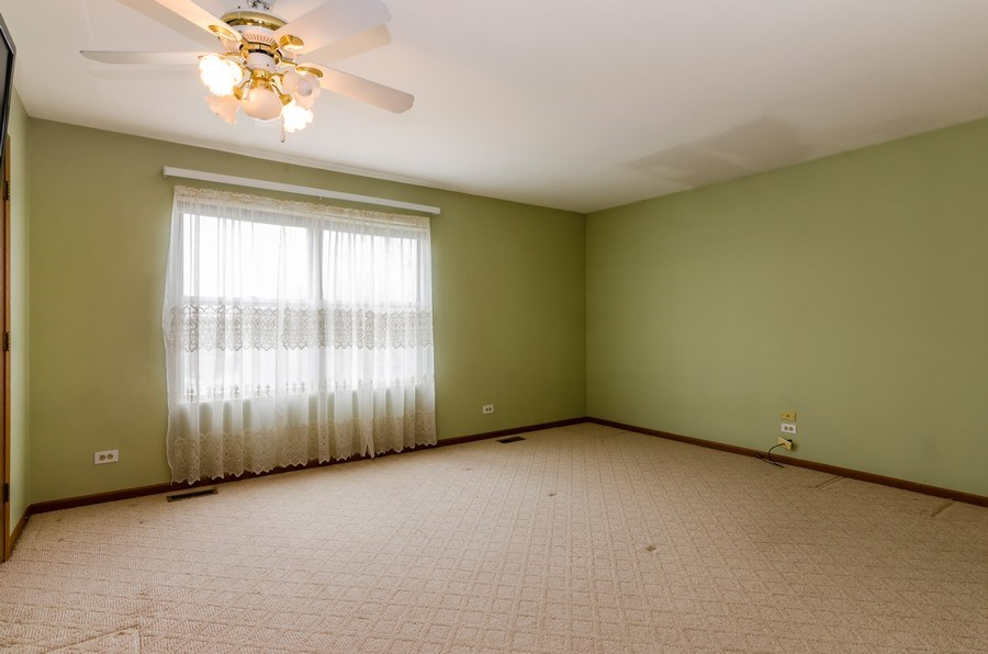 Real Estate Photography - 1263 Dogwood Ct., Elgin, IL, 60120 - Master Bedroom