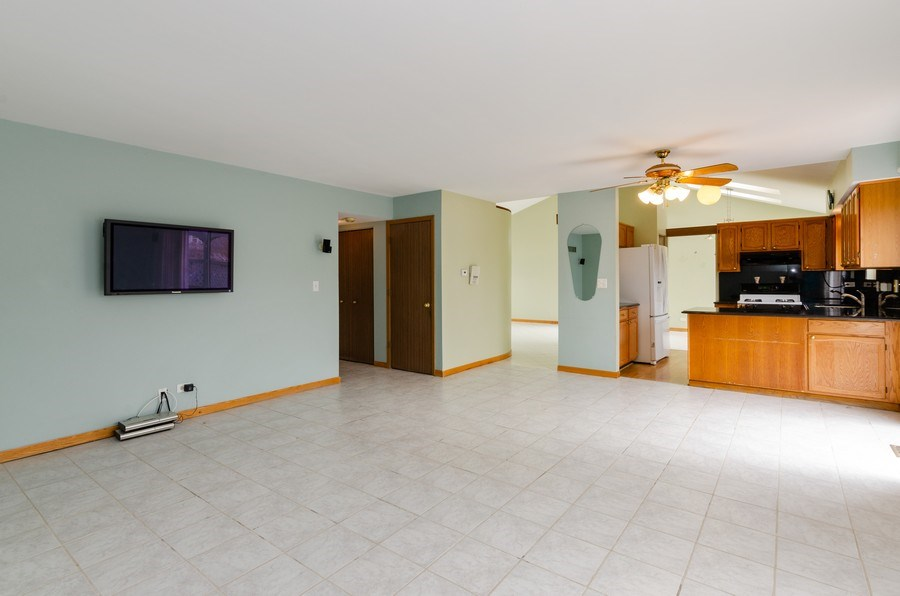 Real Estate Photography - 1263 Dogwood Ct., Elgin, IL, 60120 - Family Room