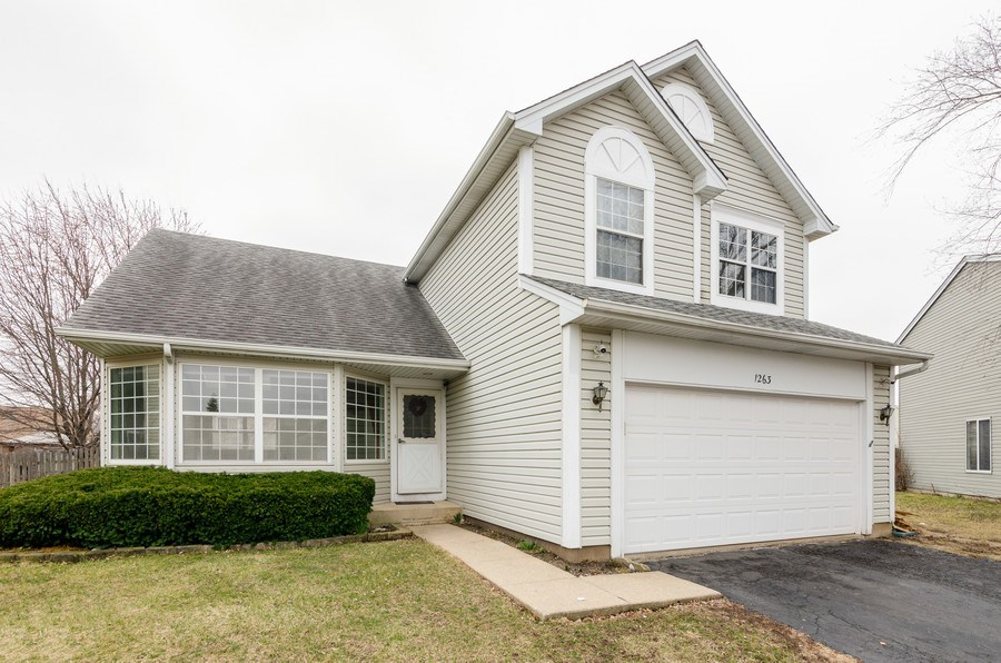 Real Estate Photography - 1263 Dogwood Ct., Elgin, IL, 60120 - Front View