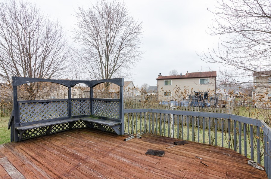Real Estate Photography - 1263 Dogwood Ct., Elgin, IL, 60120 - Deck