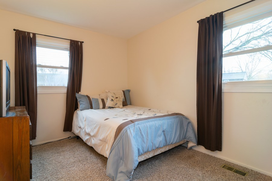 Real Estate Photography - 621 Arnold Ave, Streamwood, IL, 60107 - Guest Bedroom