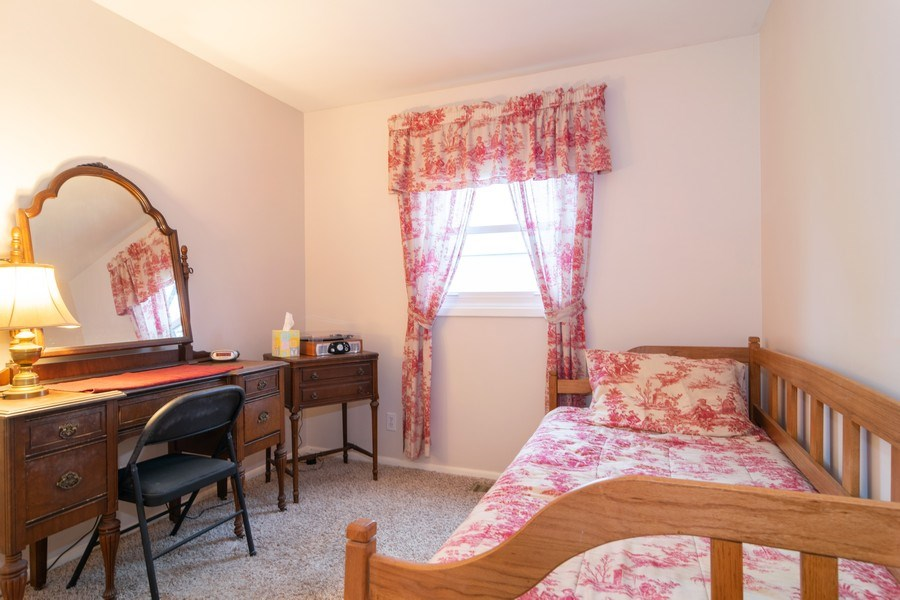 Real Estate Photography - 621 Arnold Ave, Streamwood, IL, 60107 - 4th Bedroom