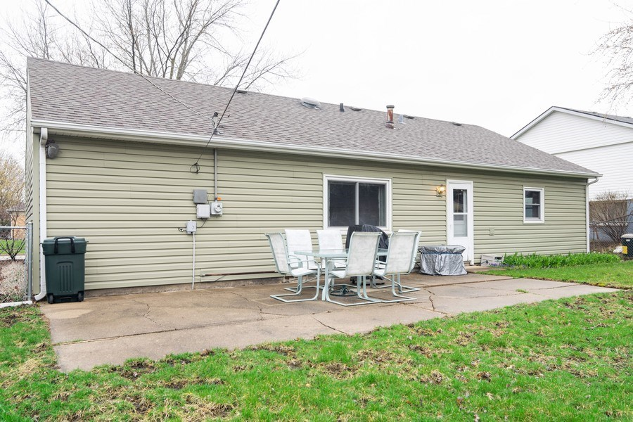 Real Estate Photography - 621 Arnold Ave, Streamwood, IL, 60107 - Rear View