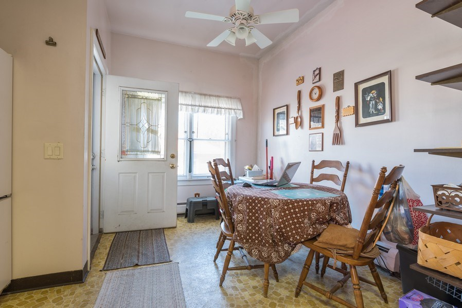 Real Estate Photography - 3034 W Wilson Ave, Chicago, IL, 60625 - Breakfast Area