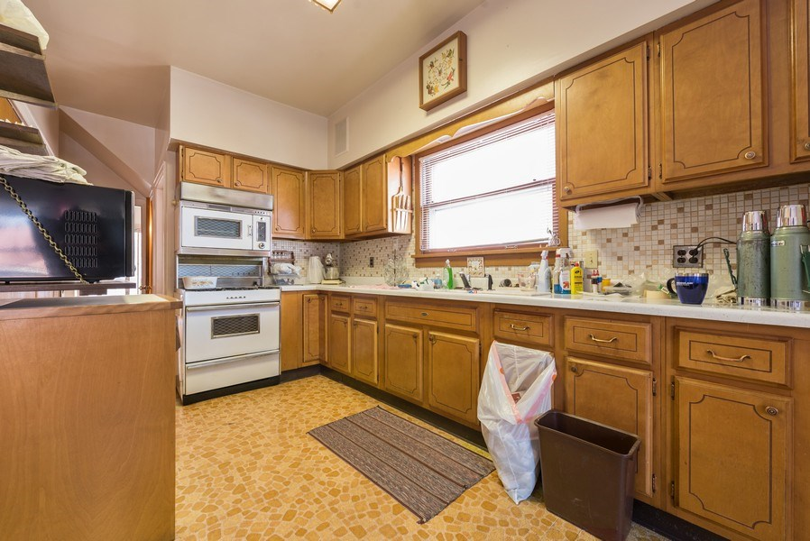Real Estate Photography - 3034 W Wilson Ave, Chicago, IL, 60625 - Kitchen