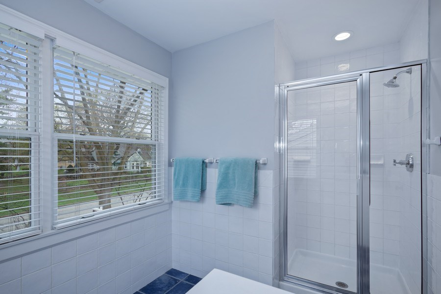 Real Estate Photography - 405 S We Go Trail, Mount Prospect, IL, 60056 - 3rd Bathroom