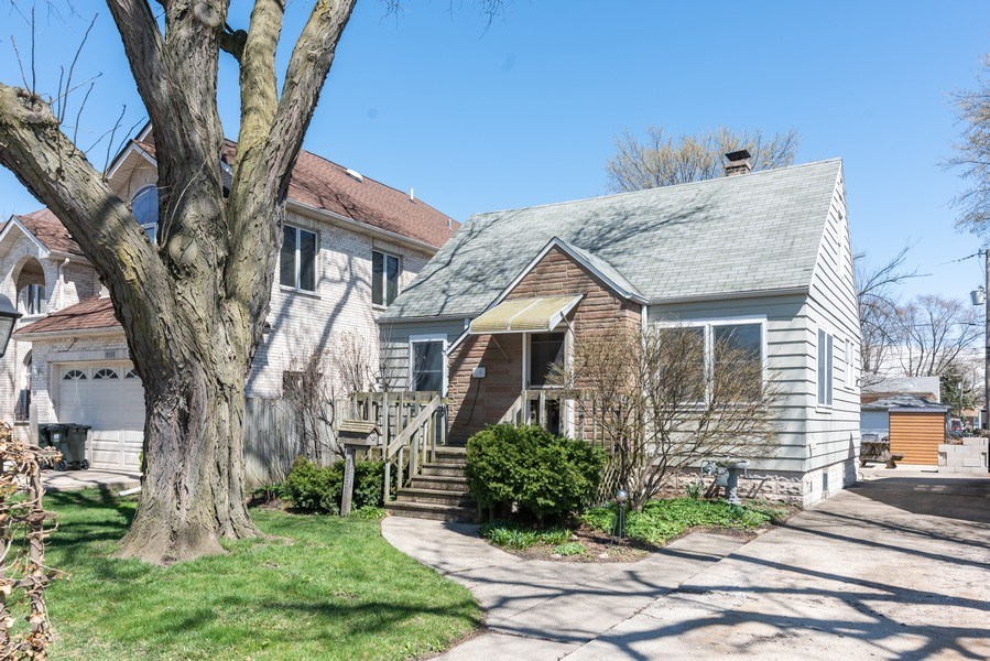 Real Estate Photography - 9131 New England Ave., Morton Grove, IL, 60053 - Front View