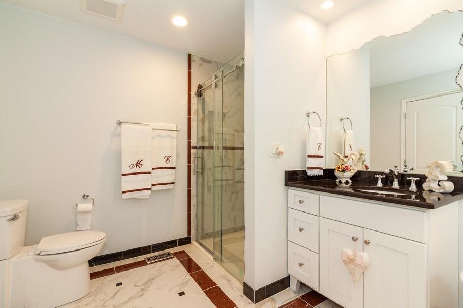 Real Estate Photography - 933 Old Oak Circle, Algonquin, IL, 60102 - Master Bathroom