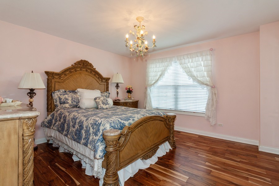 Real Estate Photography - 933 Old Oak Circle, Algonquin, IL, 60102 - 3rd Bedroom