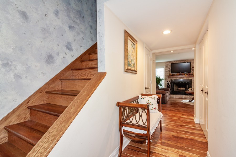 Real Estate Photography - 933 Old Oak Circle, Algonquin, IL, 60102 - Foyer