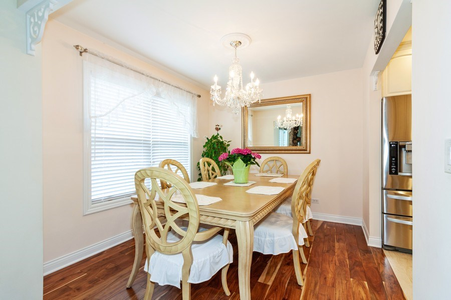 Real Estate Photography - 933 Old Oak Circle, Algonquin, IL, 60102 - Dining Area
