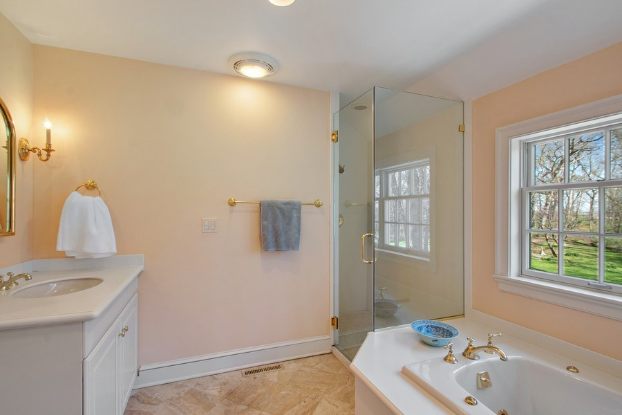 Real Estate Photography - 7208 White Oaks Road, Harvard, IL, 60033 - Master Bathroom
