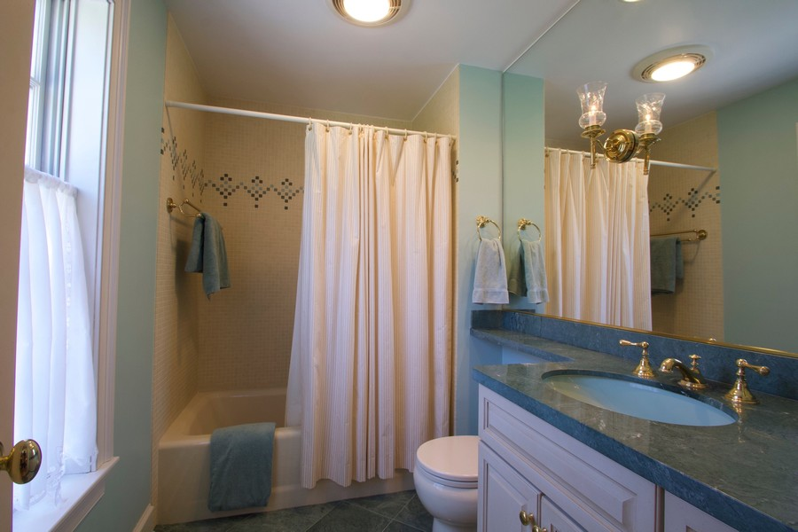 Real Estate Photography - 7208 White Oaks Road, Harvard, IL, 60033 - 2nd Bedroom/Guest Room Bath
