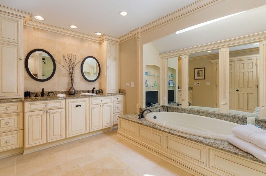 Real Estate Photography - 7724 Dairy Lane, Village of Lakewood, IL, 60014 - Master Bathroom