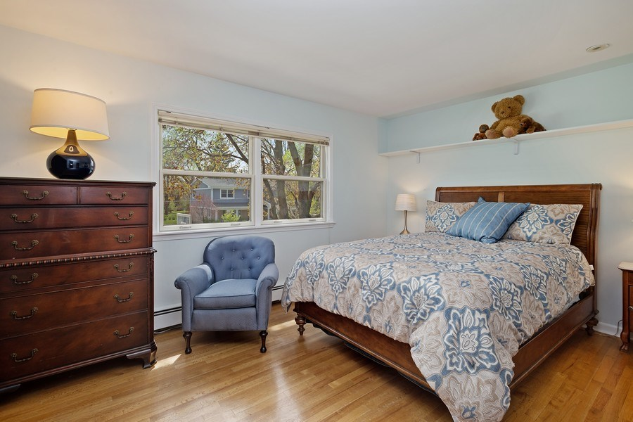 Real Estate Photography - 904 W George St, Arlington Heights, IL, 60005 - 2nd Bedroom