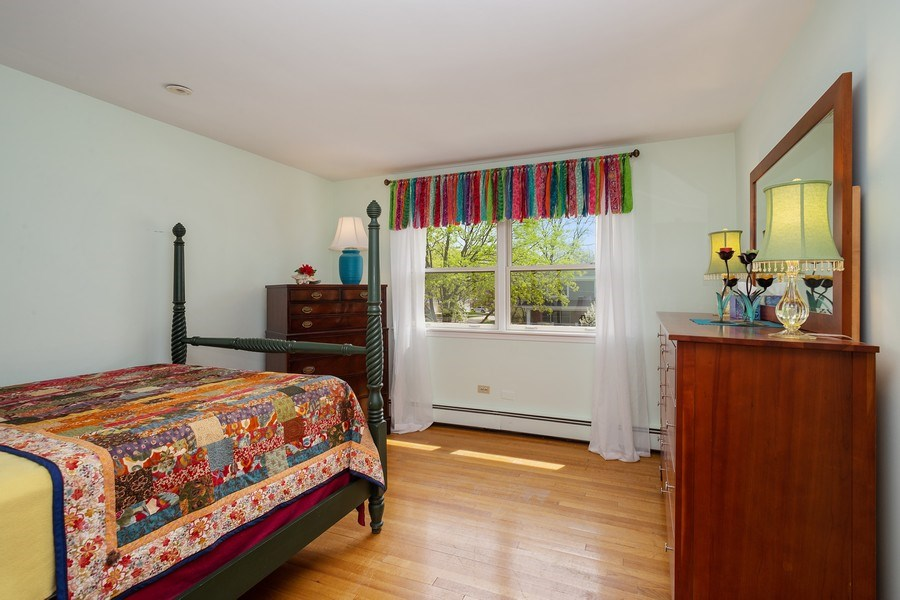 Real Estate Photography - 904 W George St, Arlington Heights, IL, 60005 - Bedroom