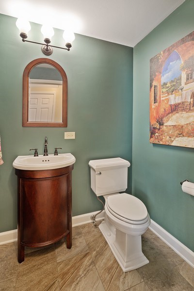 Real Estate Photography - 904 W George St, Arlington Heights, IL, 60005 - Powder Room