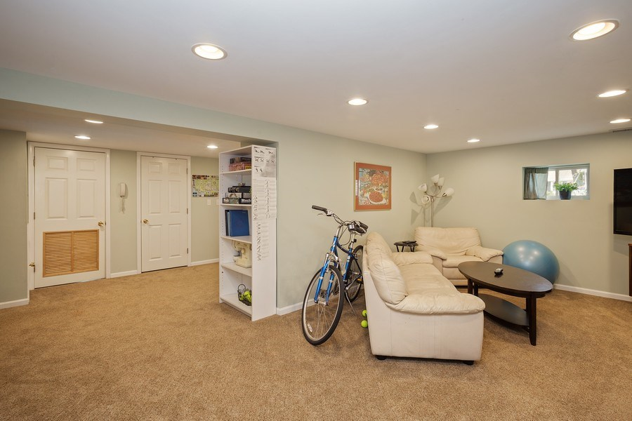 Real Estate Photography - 904 W George St, Arlington Heights, IL, 60005 - Basement